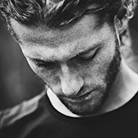 Portrait photo of Alexandre Deschaumes, a VAST artist creating very high resolution landscape and mountain photographs.