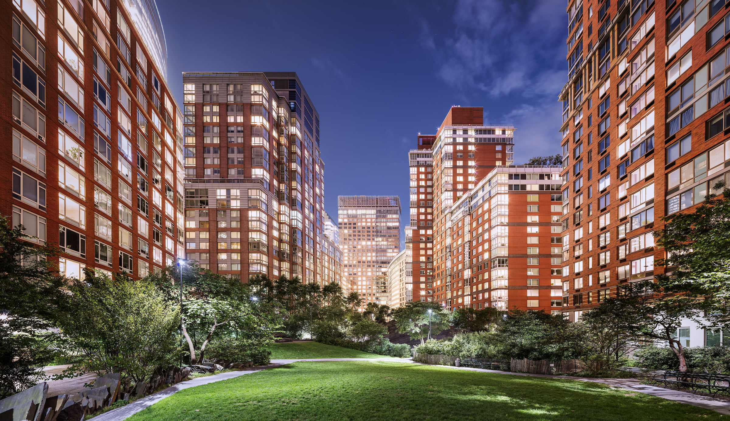 809 megapixels! A very high definition VAST photo of Teardrop Park in Battery Park City, NYC; created by Dan Piech