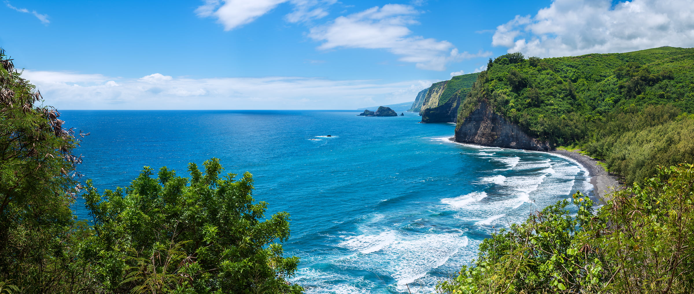 293 megapixels! A very high resolution, large-format VAST photo of the coastline in Hawaii with the ocean; landscape photograph created by Jim Tarpo in Pololu Valley, Hawaii