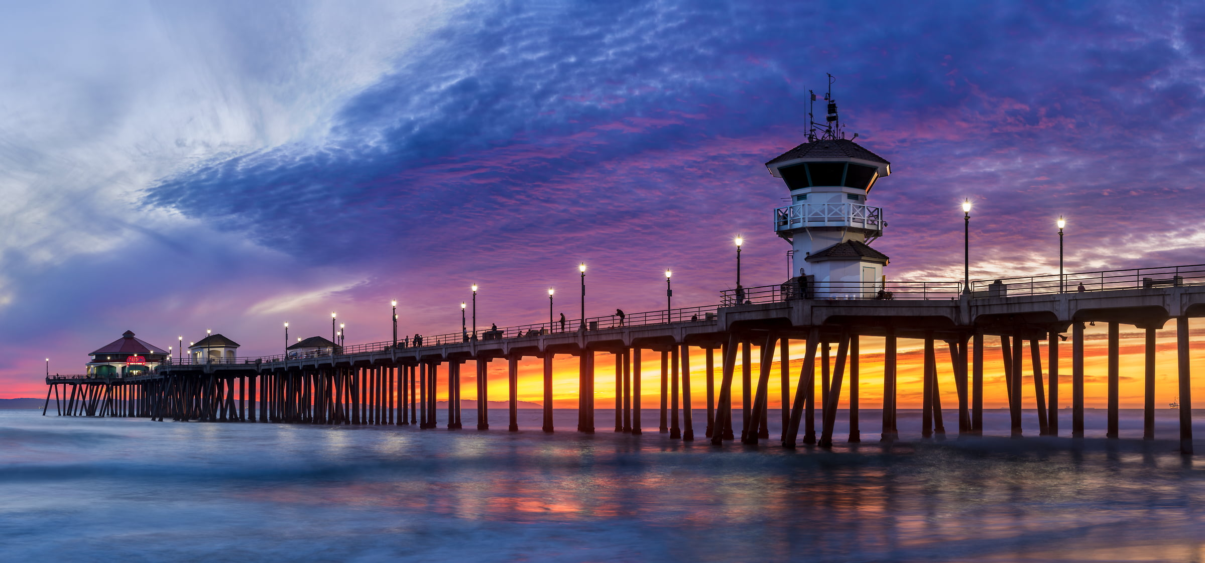 130 megapixels! A very high resolution, large-format VAST photo of the Huntington Beach Pier at sunset; created by Jim Tarpo in Huntington Beach, California