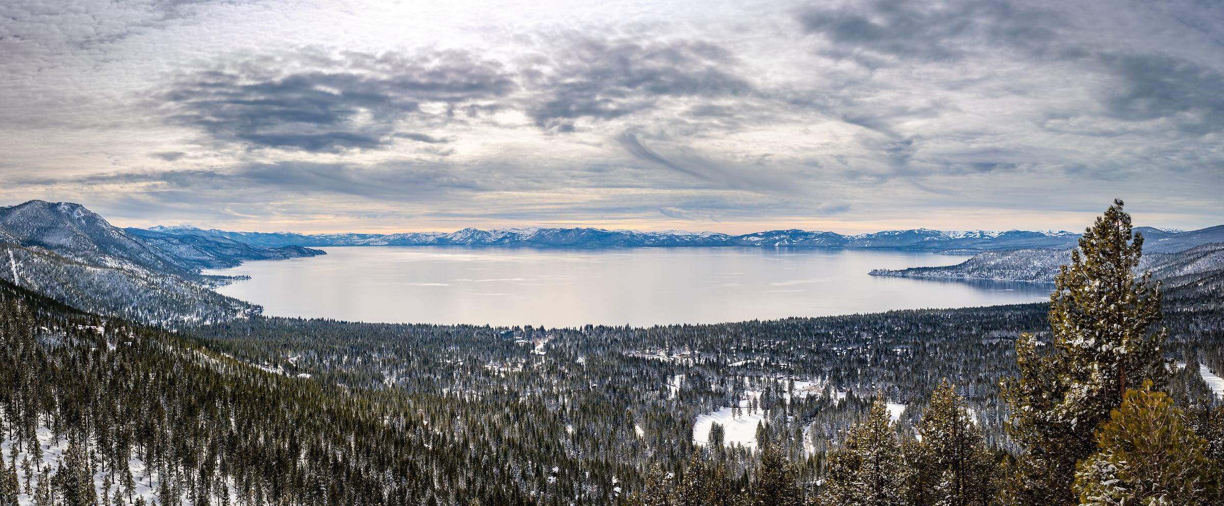 274 megapixels! A very high resolution, landscape photo of Lake Tahoe in winter; landscape photograph created by Justin Katz in Mount Rose Highway, Lake Tahoe, Nevada